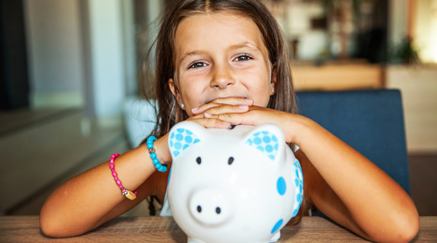 This is the No. 1 mistake parents make when teaching kids about money